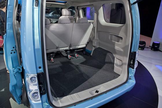 Nissan e-NV200 багажник