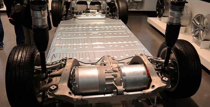 Аккумулятор от электромобиля Tesla