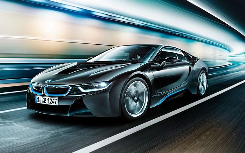 BMW i8 в движении
