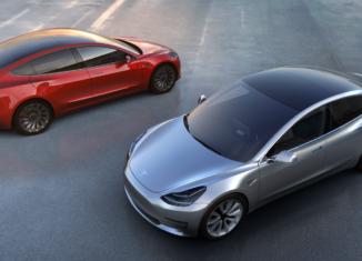 Выпуск Tesla Model 3 отложен до2018